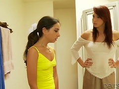 Rehead Milf And Brunette Teen Give  &  Combo